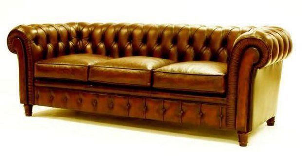 El sof chesterfield un cl sico de moda en decoraci n for Sofa clasico ingles