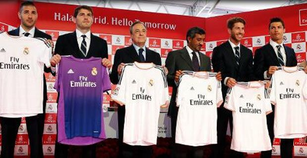 del Real Madrid para la temporada 2013 - 2014 con Fly Emirates
