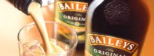 Denuncia a Bailey's por no contener whiskey